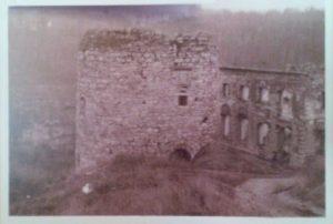 Каменец-Подольский. Гончарная башня и Большая ремесленная синагога. 1944 год