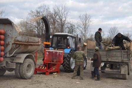 Трактор для cвіжої щепи