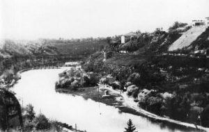 Раннее утро на реке Смотрич. 1960 год