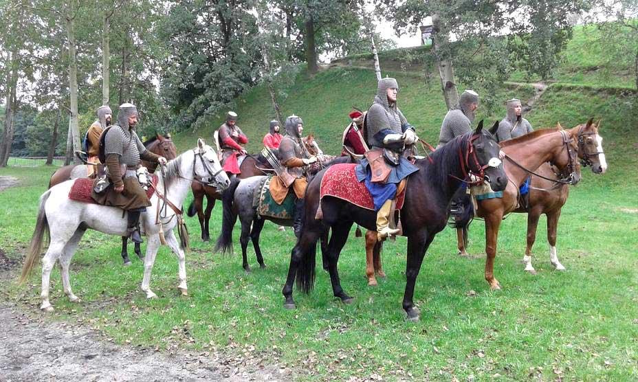 Всадники козацкой (панцерной) хоругви. Современная реконструкция. Именно так выглядела польская кавалерия каменецкого гарнизона в 1672 году