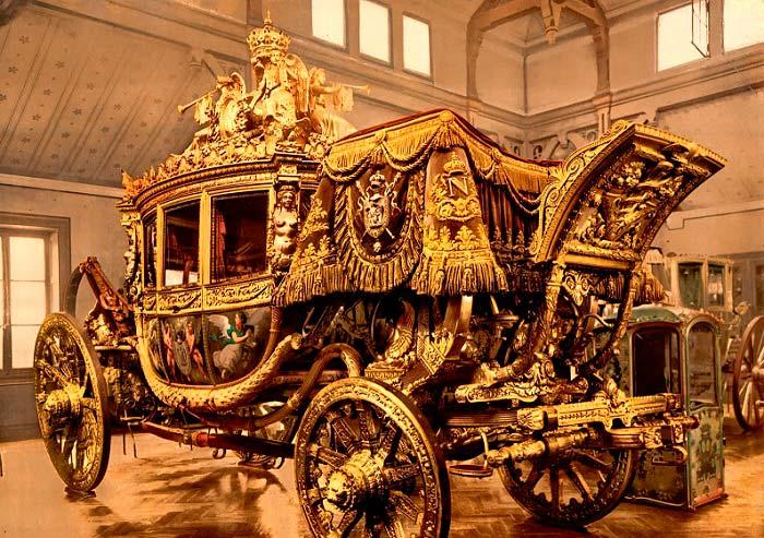 Карета короля Франции Карла Х. Версальские конюшни. Фото: fiveminutehistory.com.<br />